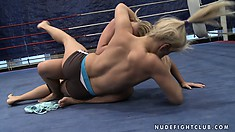 Superb chicks Brandy Smile and Kathia Nobili enjoy their wonderful battle