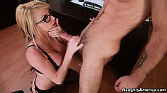 Stunning blonde with huge tits and a hot ass Taylor Wane is on the prowl for fun