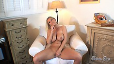 Stunning blonde cougar reveals her heavenly ass, huge boobs and sweet shaved pussy