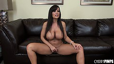 Bootylicious and world's best milf Lisa Ann is petting her pretty pink hole