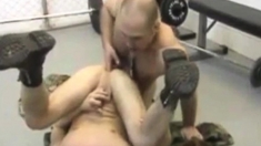 Two Hot Gays Have Sex In The Gym